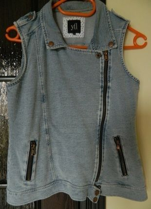 Kup mój przedmiot na #vintedpl http://www.vinted.pl/damska-odziez/marynarki-zakiety-blezery/8143102-bezrekawnik-jeansowy-jasnoniebieski-reserved-s
