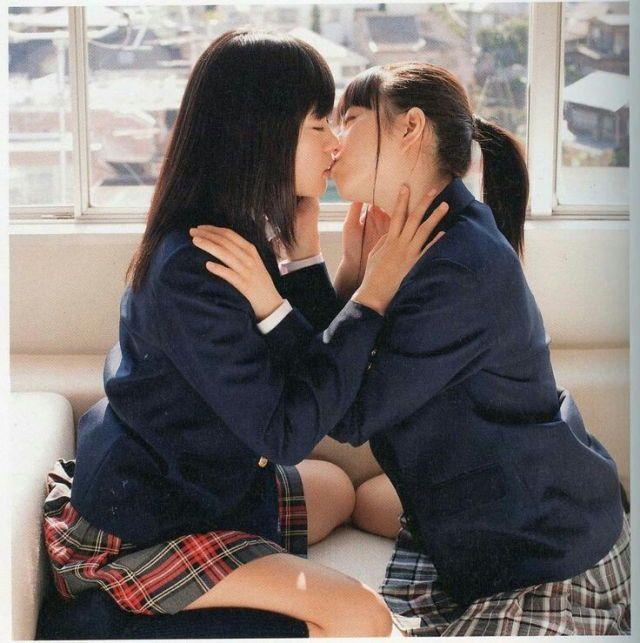 Japanese girl to girl kiss, zimbabwean teen sex images