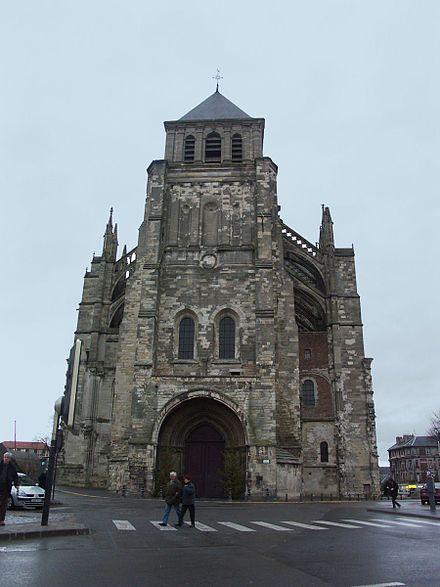 Церковь Сен-Кантена,1.07.1347г.в Сен- Кантене сост.свадьба Маргариты Брабантской и Луи Мальского,гр. Фландрии.Его отец погиб за год до этого в битве при Креси,оставив сыну графства Фландрию,Невер и Ретель.К моменту бракосоч.невесте было 24 года,а жениху исполнилось 16.У супругов родилось трое детей:2 умерло в младенч.,Маргарита (1350-1405) унаслед.престол отца. Замужем за Филиппом Руврским,затем-за основат.герцогства Бургудского Филиппом II Смелым;во втором браке имела 9 детей.