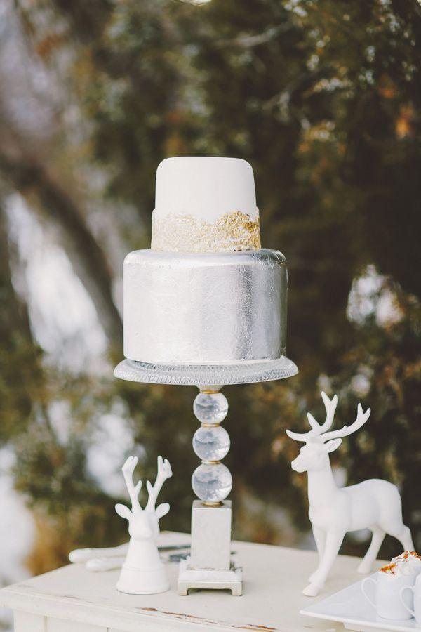 Winter Wonderland Wedding Theme { Charcoal ,white and metallic } | metallic wedding cake | Photography : gideonphoto.com/ | fabmood.com