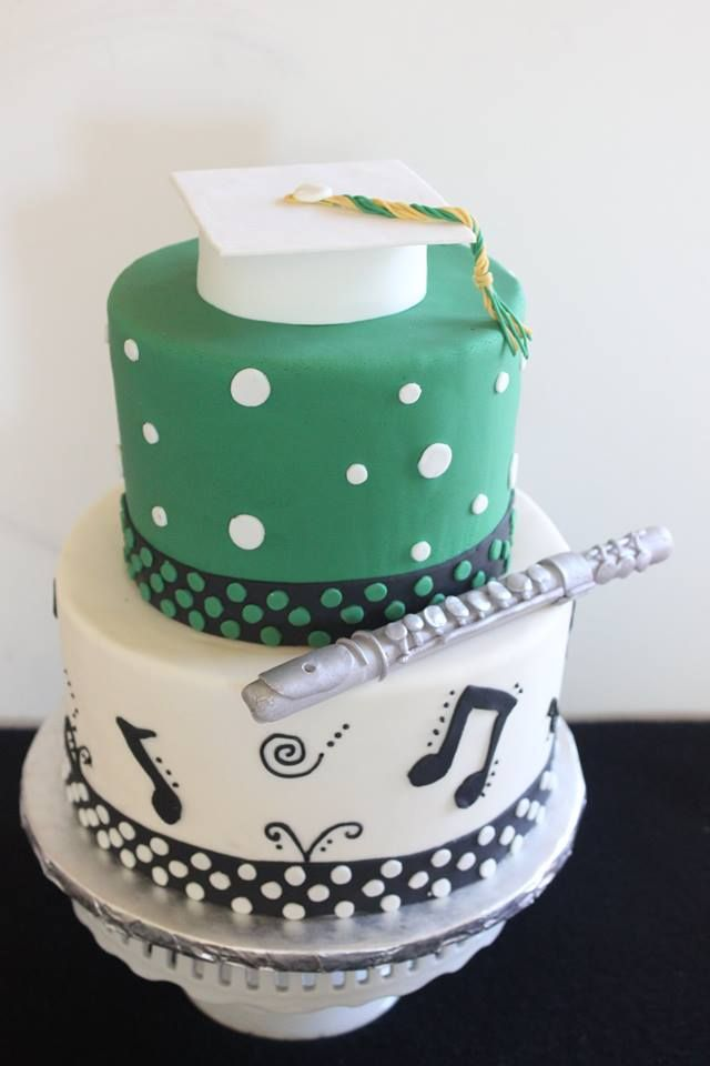 Did you participate in the marching band or concert band? Well then Maria's Kaketopia has the perfect graduation cake for all those musicians! #graduationcake