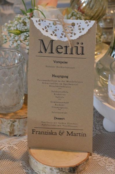 Wunderschöne Menükarten auf Kraftpapier zur Hochzeit im Vintage- Style.   Von uns liebevoll handgefertigt mit Spitzenband und Bäckergarn.    **Hier im Angebot** _1 Kraftpapier Menükarte...