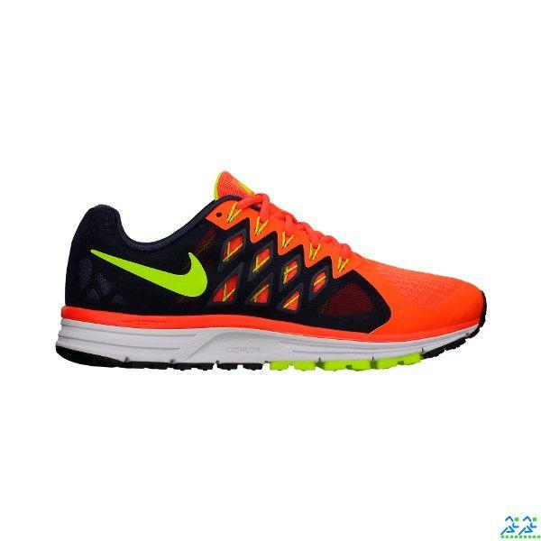 Nike Vomero  9 Uomo. Per il runner, che voglia affrontare anche i più lunghi allenamenti, in...