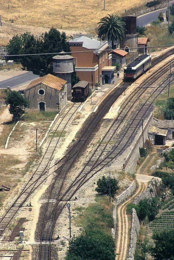 la stazione di Ibla, nei primi anni 90