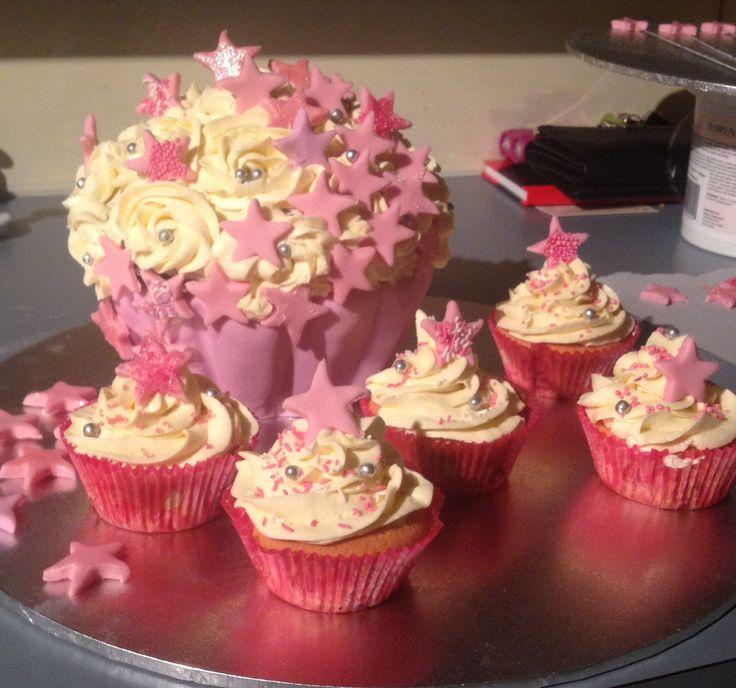 My nieces 1st Birthday Cake!!