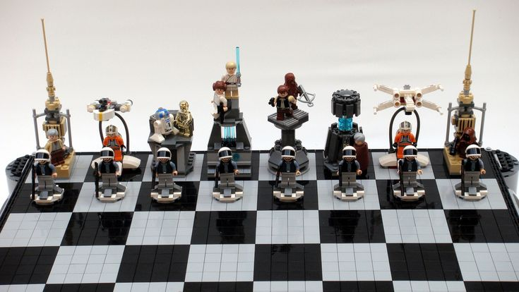 https://flic.kr/p/6Txxmb | Star Wars: A New Hope Lego Chess