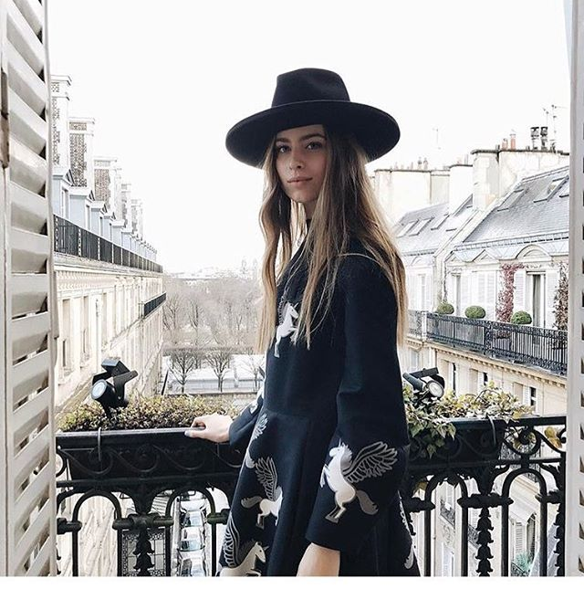 Просто любуемся. Наша дебютантка София Евдокименко в Париже. Светится вопреки дождю  via TATLER RUSSIA MAGAZINE OFFICIAL INSTAGRAM - Celebrity  Fashion  Haute Couture  Advertising  Culture  Beauty  Editorial Photography  Magazine Covers  Supermodels  Runway Models