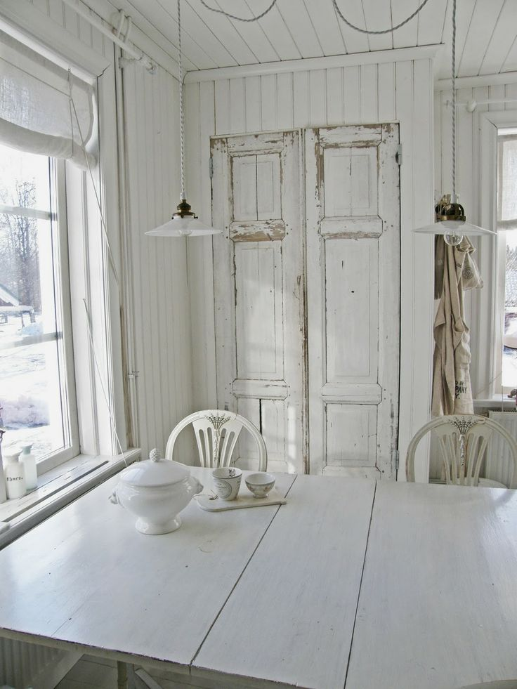 Shabby Chic Swedish Summerhouse....•°¤*(¯`★´¯)*¤° Shabby Chic.•°¤*(¯`★´¯)*¤°