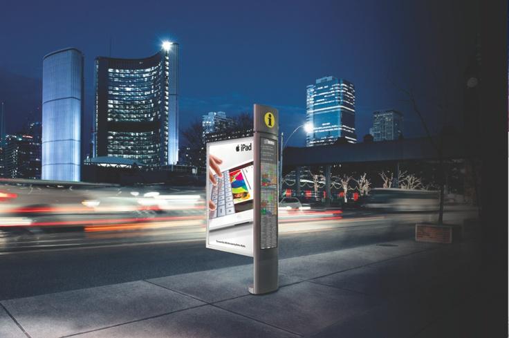 Signature Column / Colonne Signature - Ipad #StreetFurniture #OutdoorAdvertising #AffichageExterieur #AstralOutOfHome #AstralAffichage #Publicite #Ads #Billboard #PanneauAffichage #Toronto #Night
