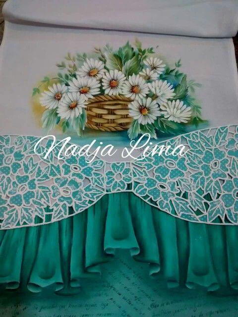 Pintura em tecido por Nadja Lima com modelo de barrado JDS - face