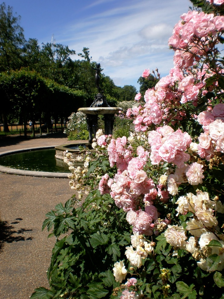 Visit Hyde Park, London, the site of the First Ones' attack on Earth. (Larklight)
