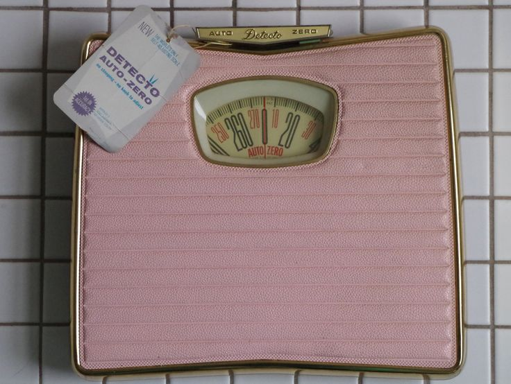 Fabulous Vintage 1950s Detecto PINK Bathroom Scale   MINT Never Used Still with Tags MINT by. 1000  ideas about Pink Bathroom Scales on Pinterest   Hot pink