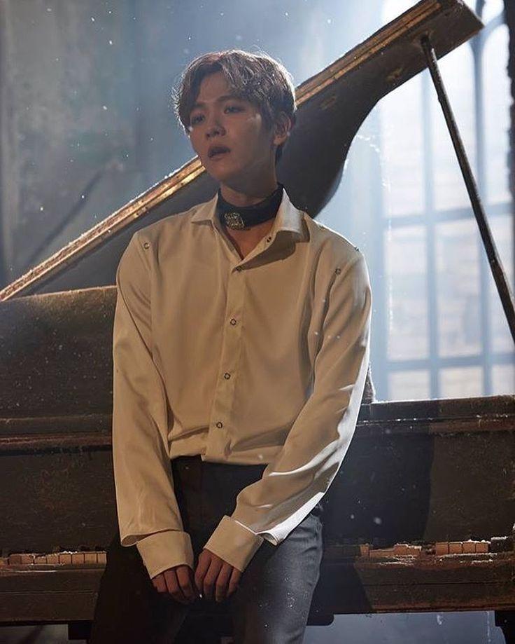 161223 Blade & Soul 블레이드 & 소울 Facebook Update - BaekHyun •DAYYYUUMM he's looking might FINE~~• • ✧ • ✧ • ♡♡♡♡♡♡♡♡♡♡♡♡♡♡ .  #엑소사랑해 ♥ #EXO #EXOK #EXOL #EXOM #WEAREONE #엑소 #suho #chanyeol #sehun #kyungsoo #kai #baekhyun #kris #lay #tao #luhan #chen #xiumin #WuYiFan [ FOREVER ONE,  FOREVER EXO12 ] «Admin_littleKyung» ♡♡♡♡♡♡♡♡♡♡♡♡♡♡