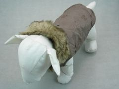Klassischer Hundemantel Winter braun mit Pelzkapuze