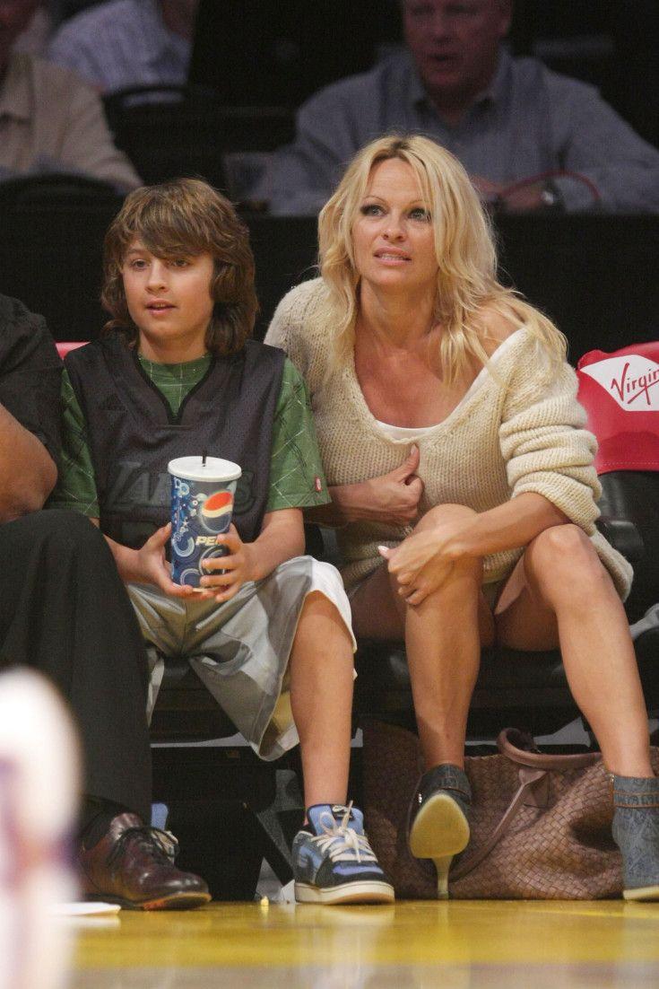 Pamela anderson tommy lee wedding bands - Pamela Anderson S Son Brandon Is All Grown Up