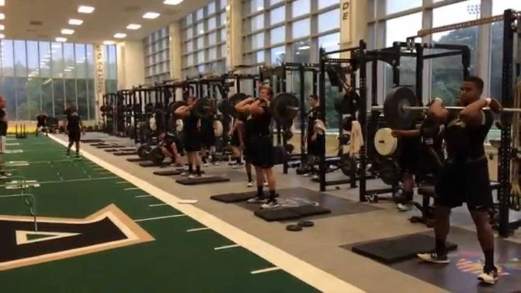 2014 Army Football Strength Training #armystrong #getfit #football http://www.pacificdefensesupply.com/