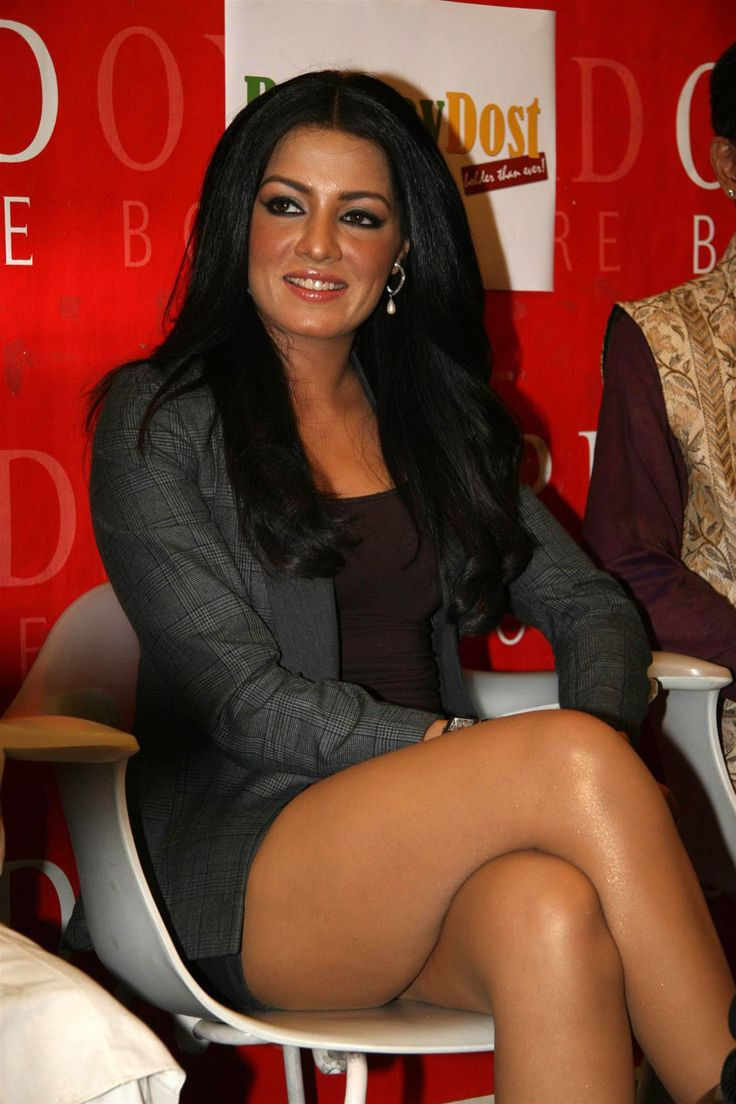The hot and sexy masala actress heroine of Bollywood celina jaitley very seducing cute and erotic pics and images collection in which she is...