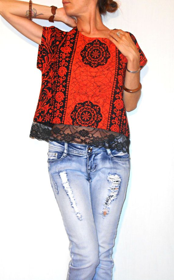 #Handmade #indianfabric #blouse #batik #ethnic #blacklace di #ITINLab