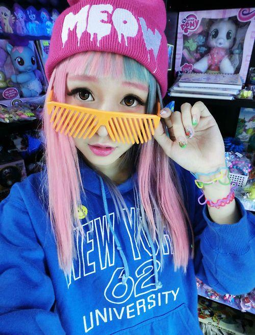 Japanese Street Fashion / #Harajuku / eva cheung / http://www.facebook.com/EVACHEUNG818