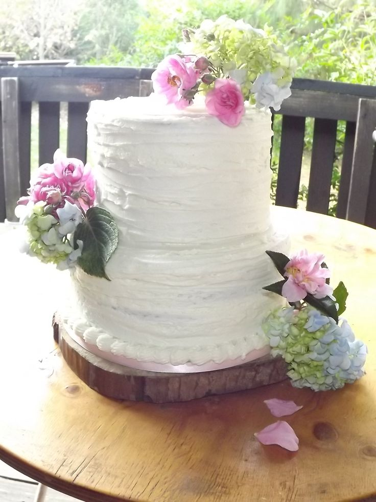 wedding bakeries in sacramento ca%0A Buttercream Wedding Cake with Fresh Flowers