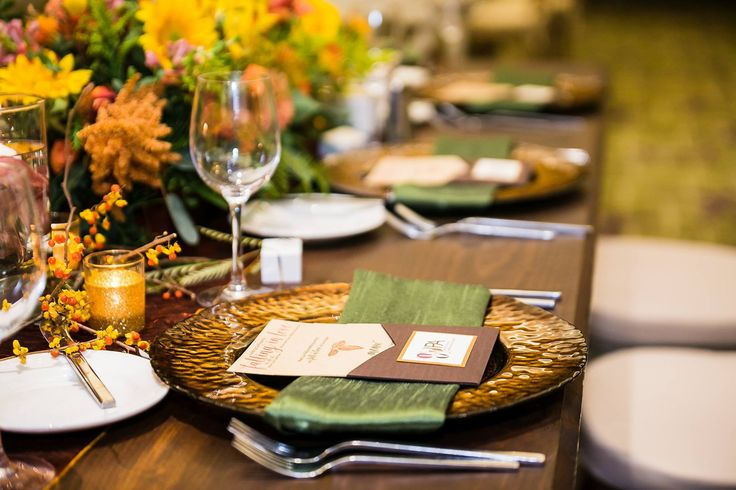 Stunning Fall Table scape! Love the gorgeous green Olive  Dupioni napkins