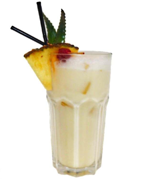 Die Pina Colada zählt zu den bekanntesten Cocktails, wie etwa Tequila Sunrise, oder Mai Tai. Das Pina Colada Rezept aus Sahne, weißer Rum, Ananas und Cream of Coconut findest du hier! Virgin Colada, genießen sie die Pina Colada alkoholfrei!
