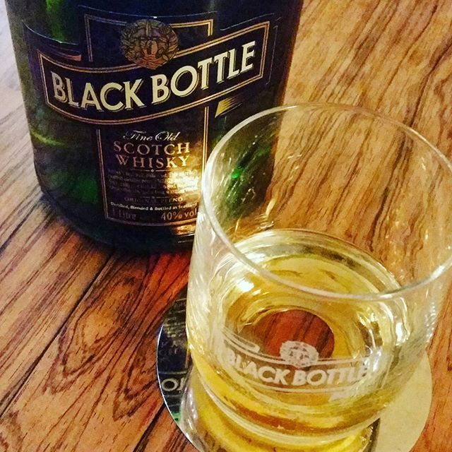 Black Bottle on Black Friday #Islay #blackbottle #whisky #dramtime
