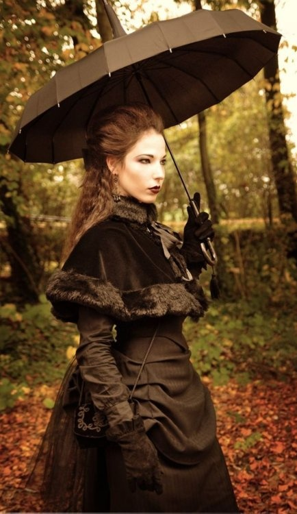 Victorian Goth, nice idea for winter outfit :)