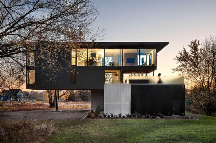 Elevated House Overlooks Fruit Orchard & Vineyard | #Architecture #Canada via @CONTEMPORIST