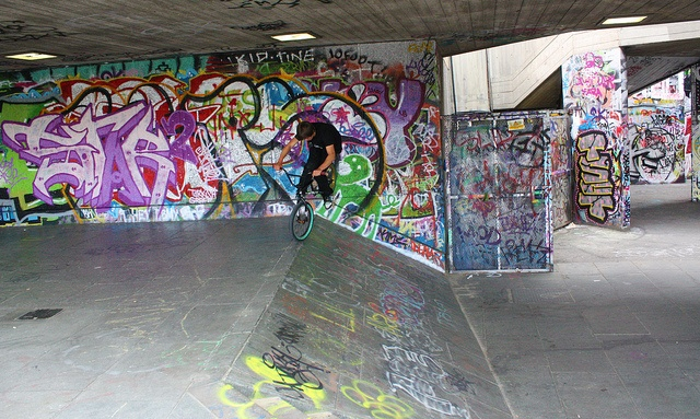 Skate park at Southbank, London via http://townfish.com. Follow us: http://twitter.com/townfish_london