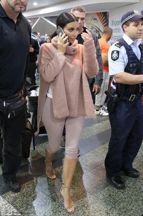 Kim Kardashian - Beige-Pink Sweater, Leggings & Heels