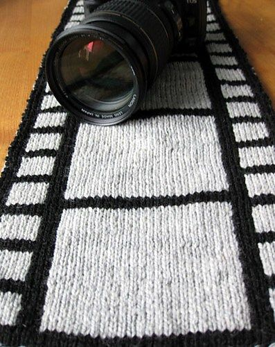 Silver Screen Film Scarf Free Knitting Pattern - Niina Hakkarainen was inspired by film to create this double knit scarf. The instructions at Ravelry are in English but the chart is on a Finnish site.
