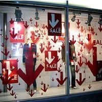 Escaparates de venta agresiva: muestran grandes carteles con precios y ofertas. Incitan al impulso