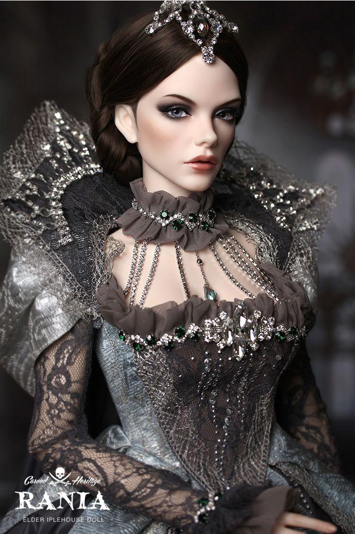 EID Woman Raina, Carved Heritage LE, Makeup Type B
