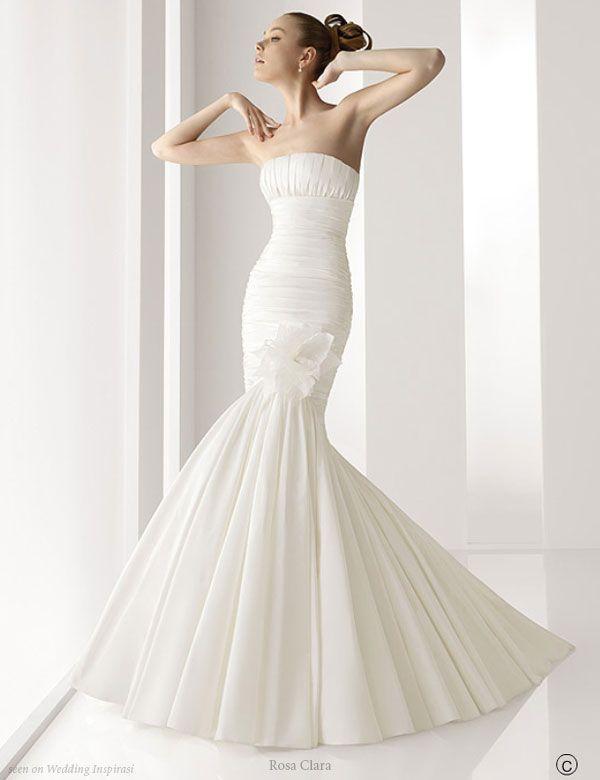 Dramatic silhouette - mermaid wedding dress by Rosa Clara