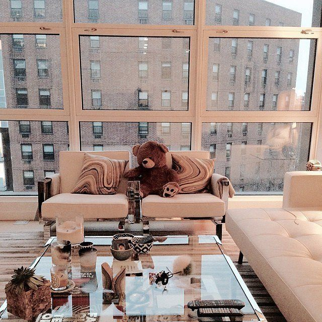 Gigi's floor-to-ceiling windows provide a luxurious view of the city outside.                   Source: Instagram user emmasittig