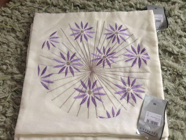 Rectella Cream And lilac / Purple cushion covers X3