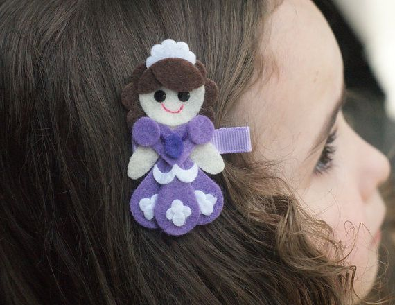 Meet Miss Sofia. She is the cutest accessory for your little lady. This clippie can be worn alone, or attached to a coordinating headband, so it