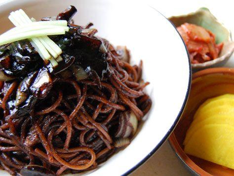 jajangmyeonKorean Food, Jang Myeon, Black Beans, Asian Food, Ja Jang, Noodles, Sauces 짜장면, Mr. Beans, Beans Sauces