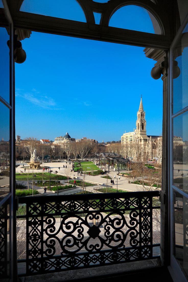 Vue sur l'esplanade de Nîmes depuis une suite de l'Odéon. Une réalisation Océanis Promotion