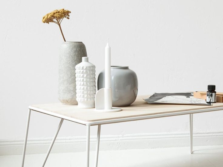 Objekte unserer Tage - YILMAZ Relaxed and clear styling of YILMAZ coffee table and SCHMIDT candle holder. objekteunserertage.com