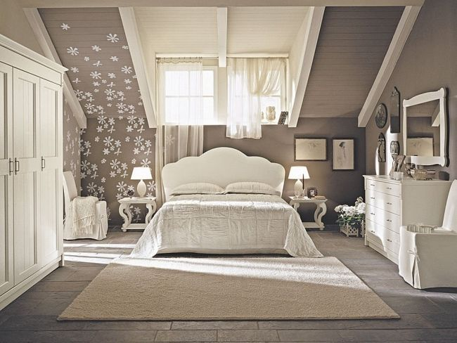 Wohnideen Schlafzimmer Design Vintage Beige Blumen Dachdeko   Schlafzimmer Braun  Beige