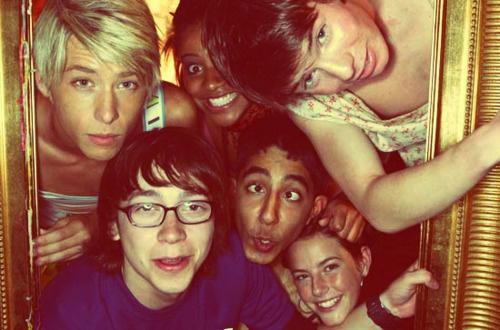 Maxxie, Jal, Chris, Sid, Anwar and Effy. SKINS