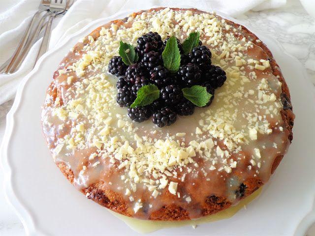 Jeżynowe ciasto z białą czekoladą (Torta di more e cioccolato bianco)