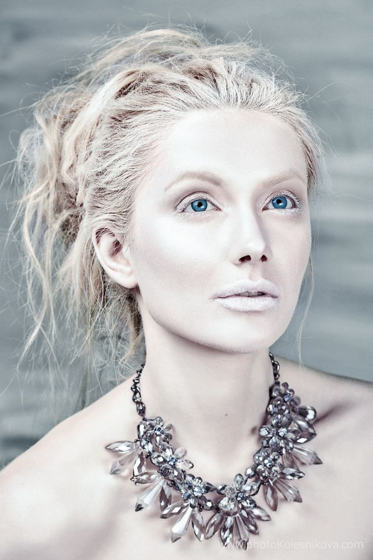 бьюти beauty creative makeup визаж снежная королева голубые глаза арт бьюти белая кожа белые губы