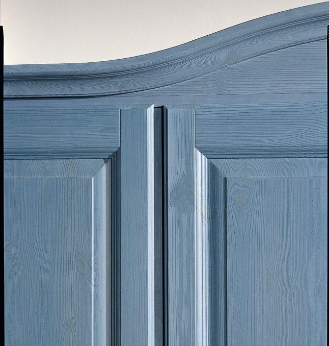 Particolare armadio blu. Blue wardrobe.  #wood #wardrobe #blue #design #country #furniture   www.demarmobili.it