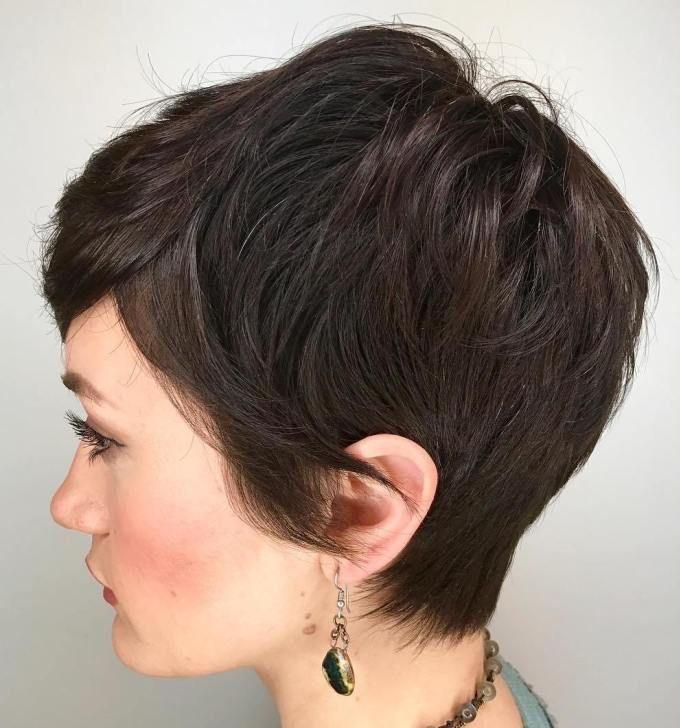 15 Kurze Frisuren Fur Dickes Haar Tolle Frisur Dicke Haare Frisuren Kurze Haare Braun Haarschnitt