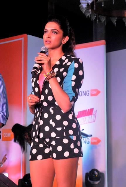 Deepika Padukone addressing the audience! — at Four Seasons Mumbai.