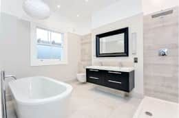 Chelsea townhouse: modern bathroom by adventures in living