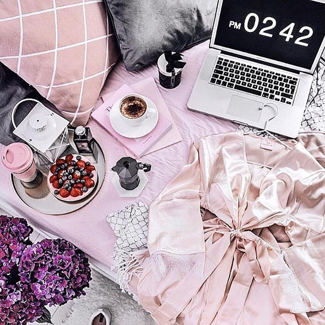 Beautiful bedtime, celebrating robe life by @thestylevisitor. Our Bella Blush Pink Lace Trim Robe is perfect for lazy mornings and breakfast in bed! #robelife #homebodii #flatlay